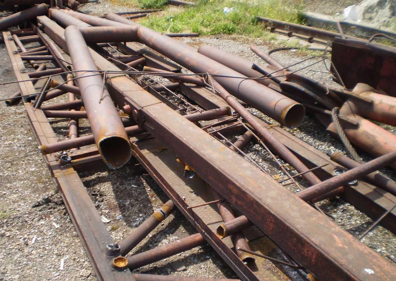 На фото категория лома 5А - любой негабаритный стальной лом