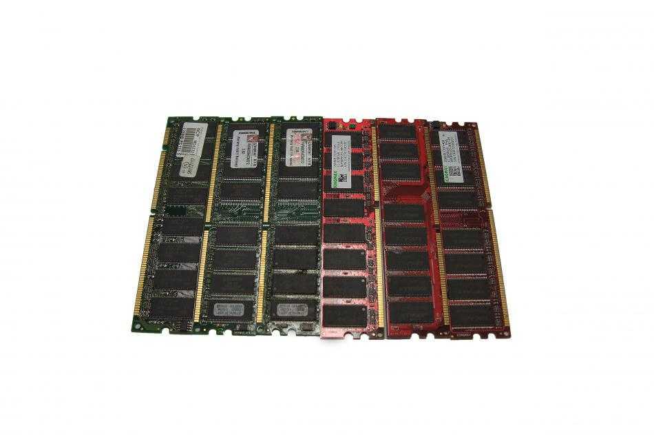 Модули оперативной памяти в электролом