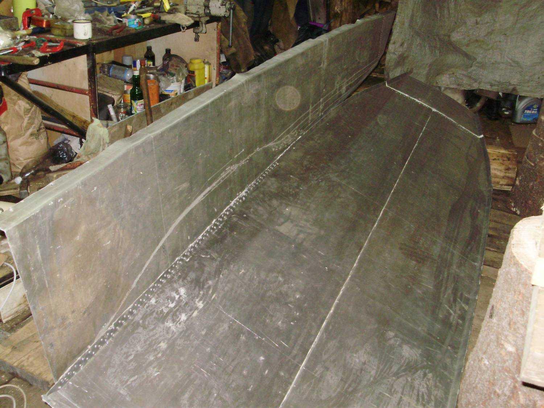 лодка из алюминия на заклепках