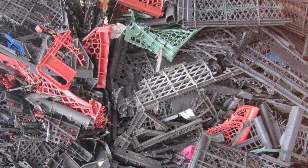 Лом пластмассовых ящиков