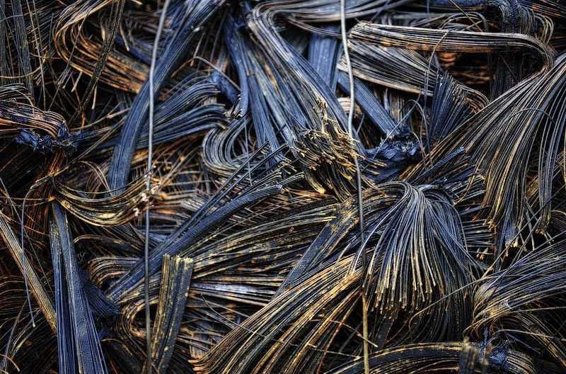 Металлические корды шин после переработки резиновых покрышек