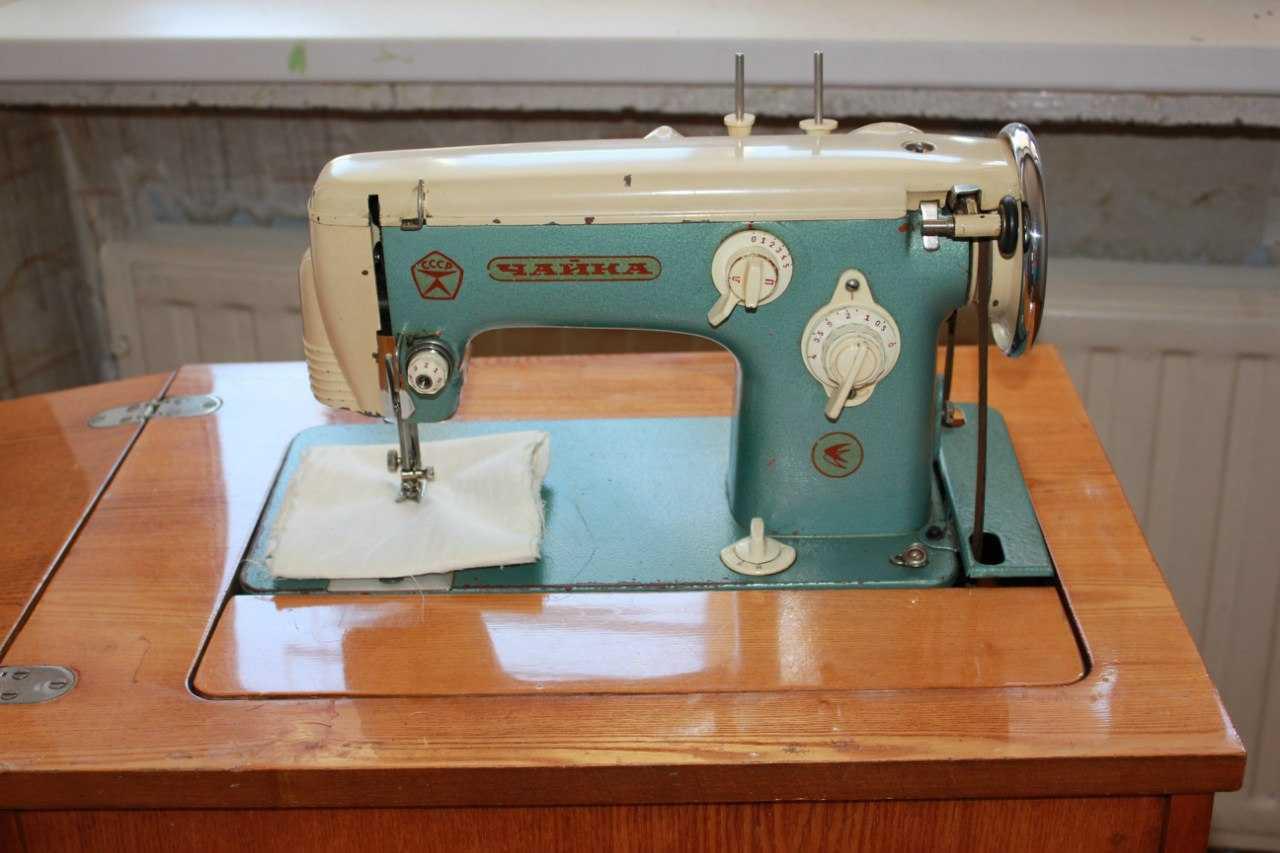 Швейная машинка в интерьере фото