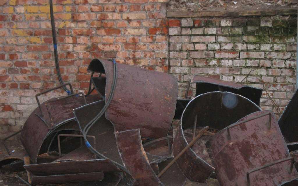 Демонтаж стальных труб большого диаметра
