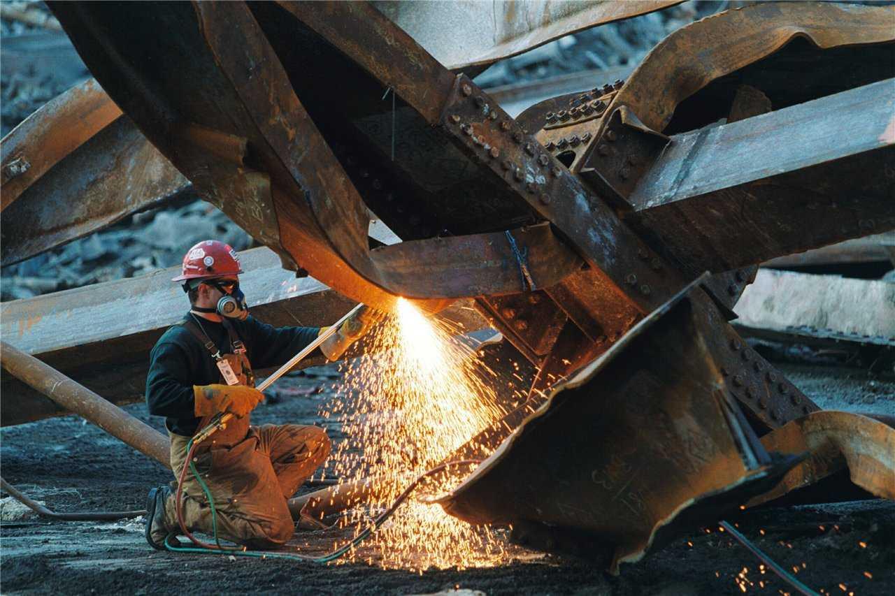 Демонтаж металлоконструкций - резка газом