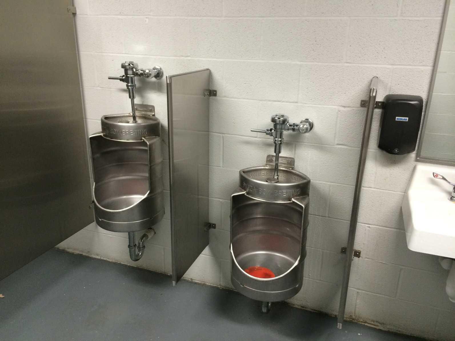 еще одно применение в туалете пивного кега