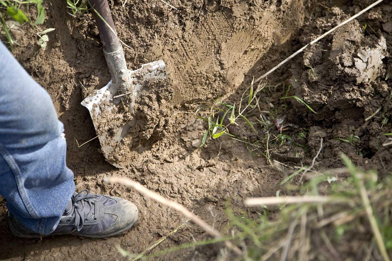 Как вырыть котлован под погреб правильно.
