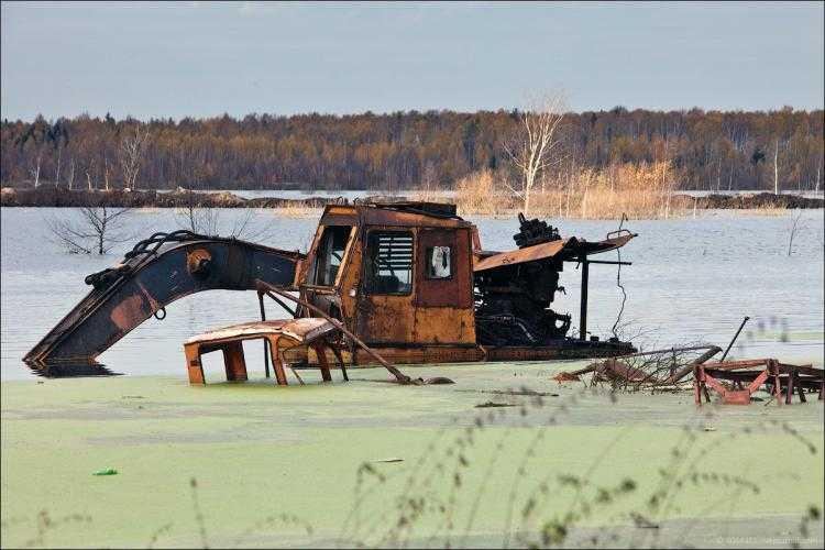 Можно найти металлолом даже в болоте - но достать его оттуда нереально