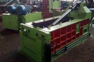 пресс 330x220 - Пакетировочные прессы для металлолома