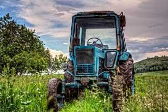на металлолом 330x220 - Трактор на металлолом