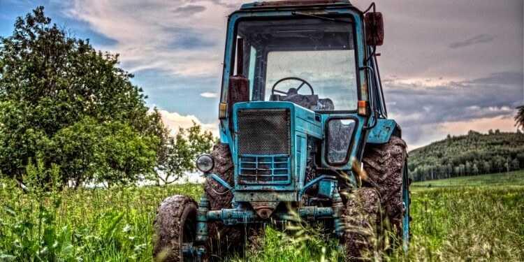 на металлолом 750x375 - Трактор на металлолом