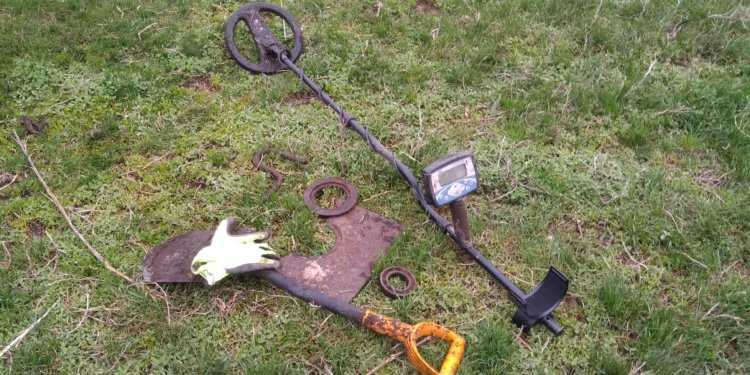 поиск и коп металлолома металлоискателем