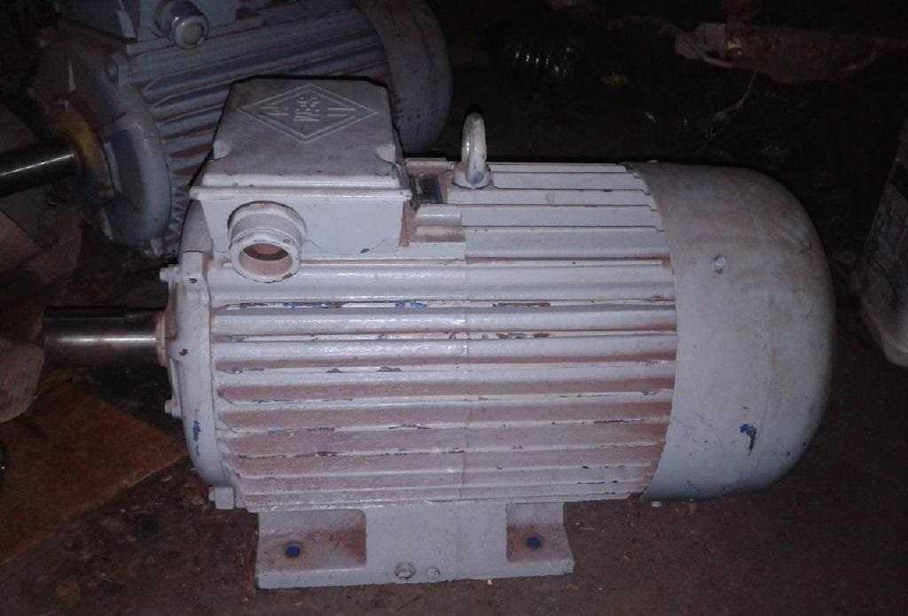 Электродвигатель не так-то просто разобрать и изъять с него медь