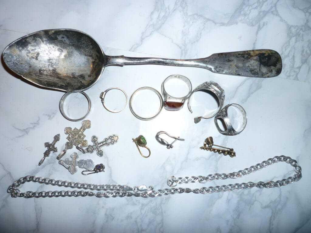 Столовое серебро и ювелирное на лом