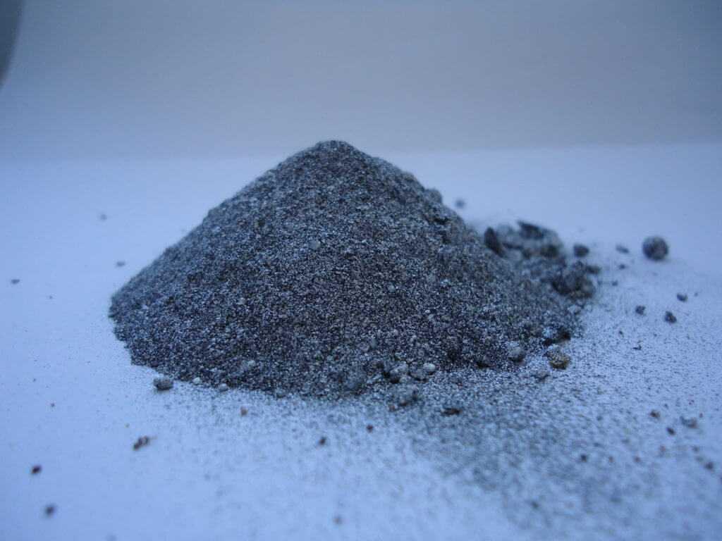 Металлическая пыль (порошок) многих металлов взрывоопасна