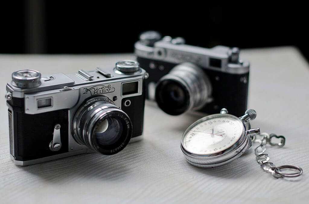 """Часто в ломе попадается старая техника, например фотоаппараты """"Киев"""" и """"Зенит"""""""