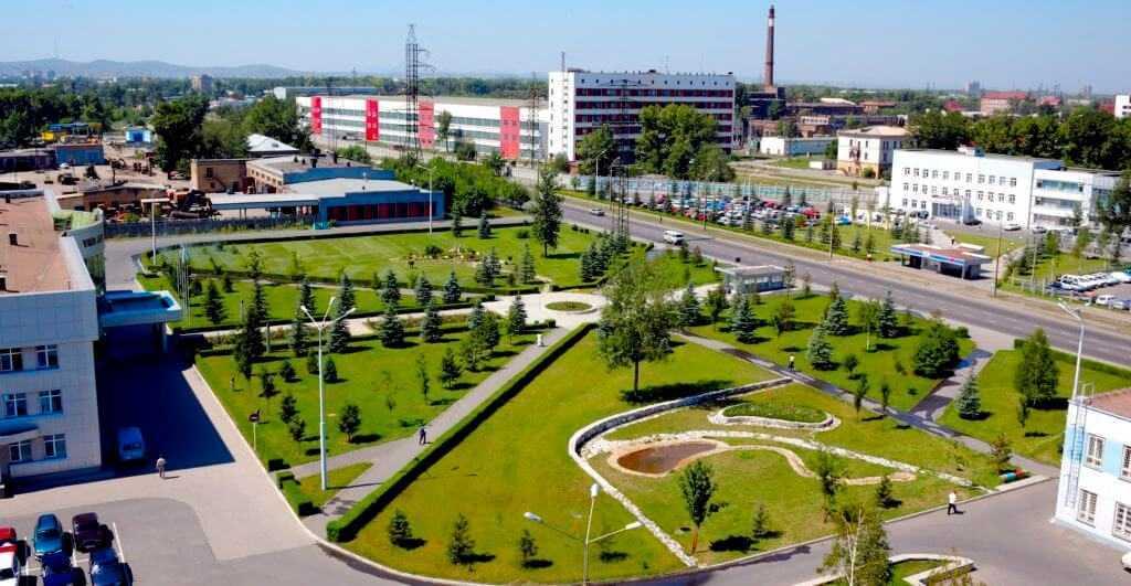 территория завода УМЗ
