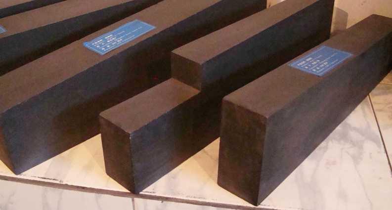Углеродистый огнеупорный кирпич (черный кирпич)