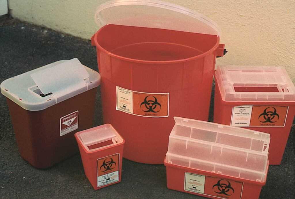 контейнеры для хранения и сбора отходов класса Г