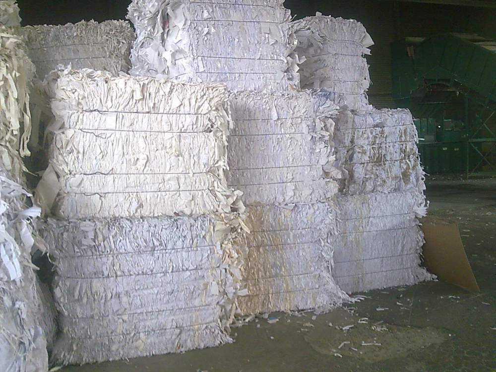 Обрезки белой бумаги - высокий сорт макулатуры