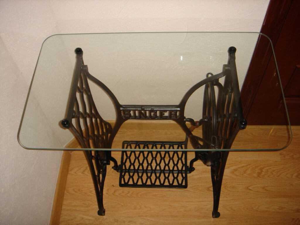 Применение столика от швейной машинки в интерьере