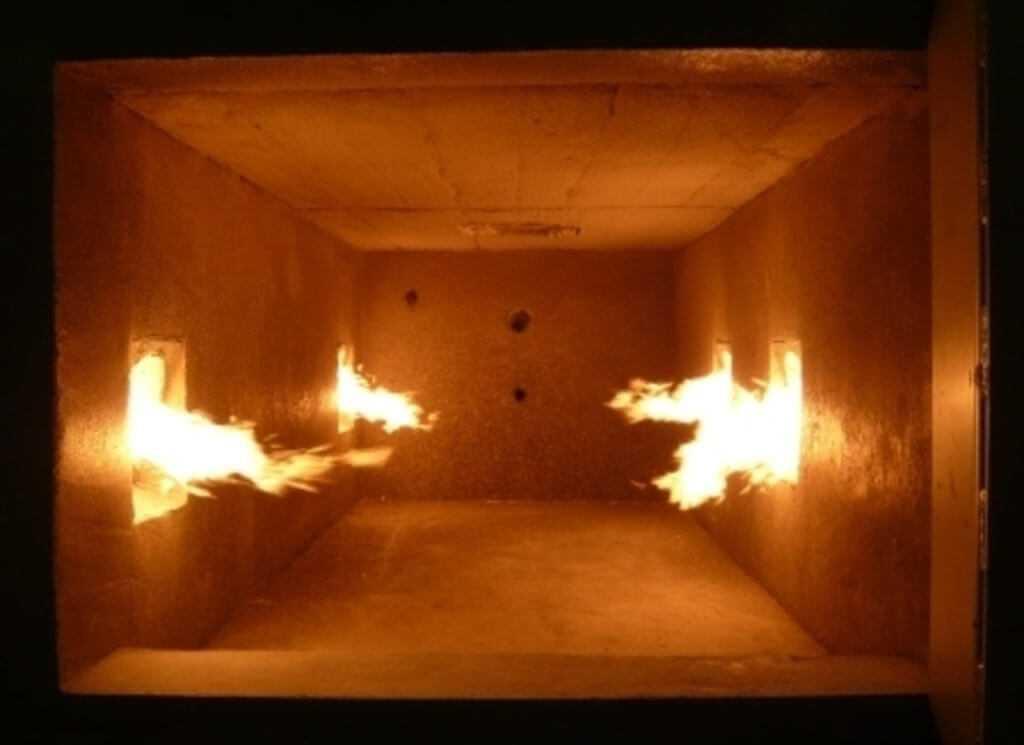 Внутри камеры инсинератора