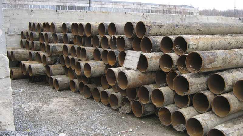 На фото трубы б/у - деловой металл. Его цена зависит от цен на металлолом и от ряда других факторов