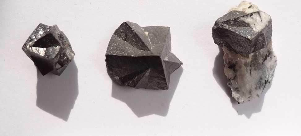 Минерал лопарит