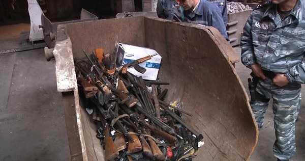 Оружие в сопровождении сотрудников МВД доставлено на комбинат