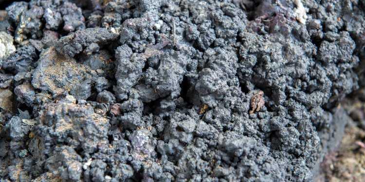 шлаки 750x375 - Металлургический шлак и золошлаковые отходы