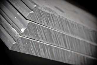 сплав алюминия 330x220 - Сплав дюралюминий - состав, описание и стоимость за 1 кг лома дюрали