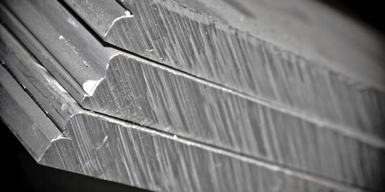 сплав алюминия 750x375 - Сплав дюралюминий - состав, описание и стоимость за 1 кг лома дюрали