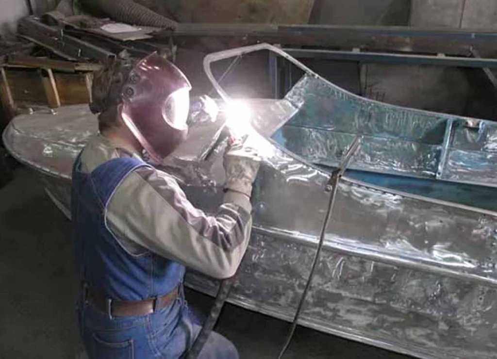 Сварка алюминиевого корпуса лодки