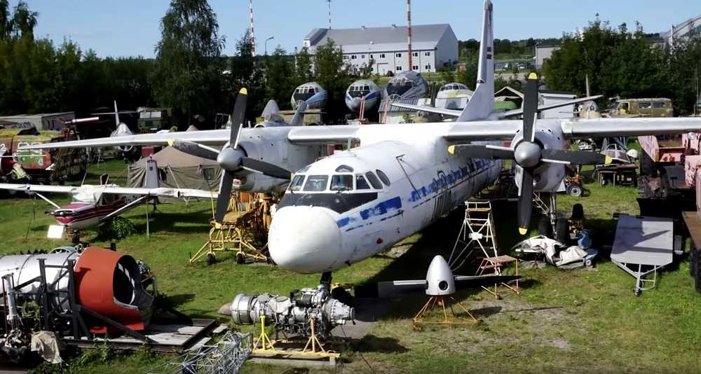 самолета к утилизации - На каком металлоломе проще заработать: от алюминиевых банок до самолета