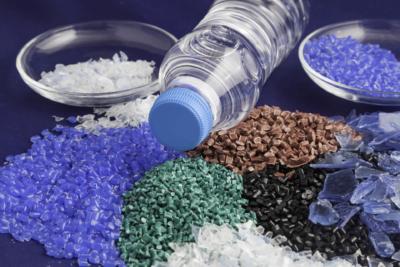 biznes pererabotka plastika 1 18100941 400x267 - Как организовать бизнес по переработке пластика в России? Примеры проектов
