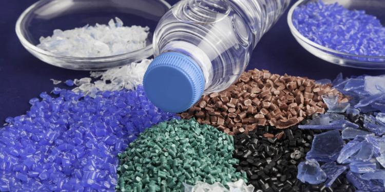 biznes pererabotka plastika 1 18100941 750x375 - Как организовать бизнес по переработке пластика в России? Примеры проектов