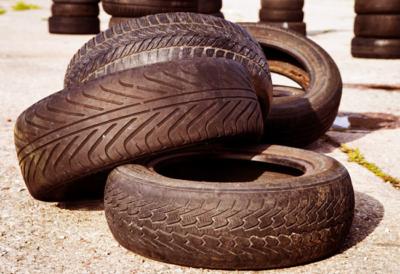 starye shiny 1 14010330 400x274 - Куда сдать старые автомобильные шины
