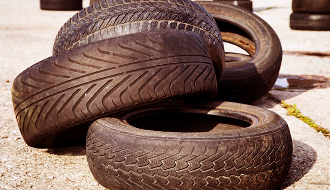 starye shiny 1 14010330 650x375 - Куда сдать старые автомобильные шины